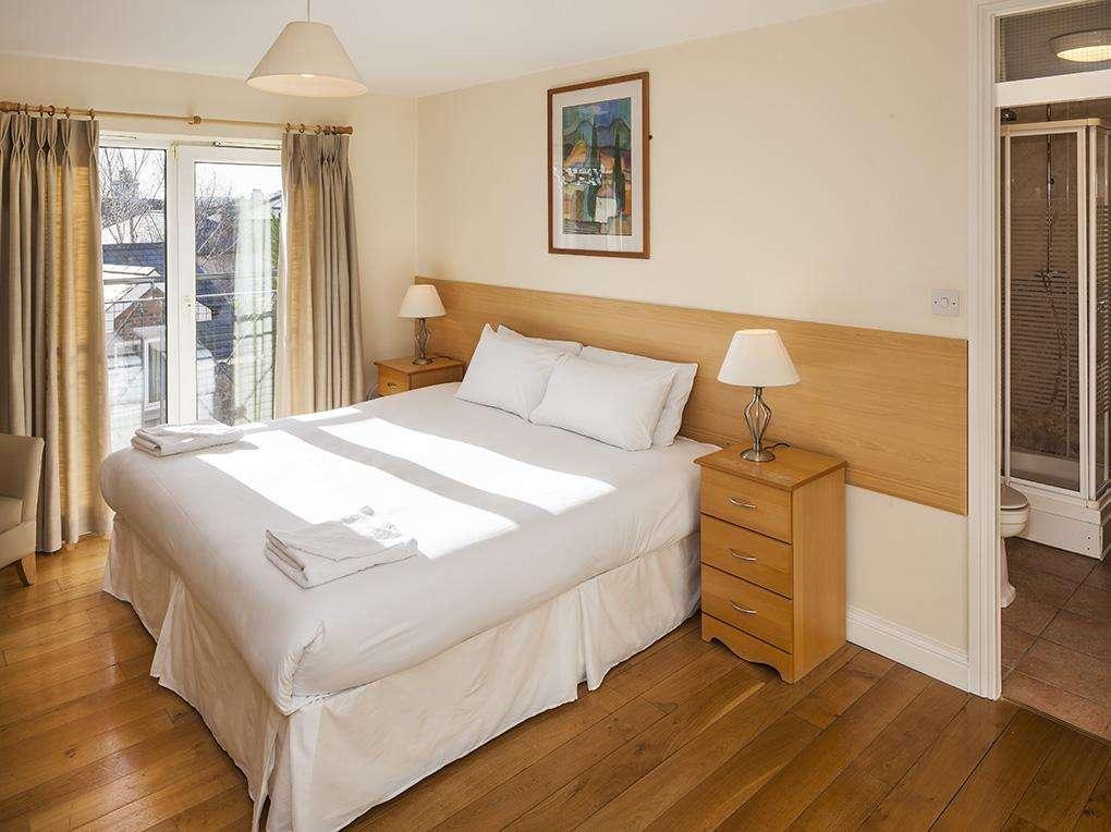 Baggot Rath House Apartments Bedroom