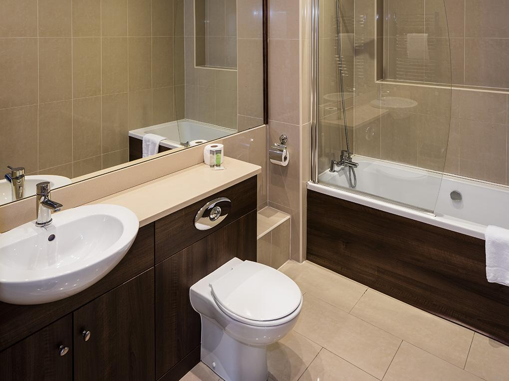 Main Bathroom, South Dock Apartments