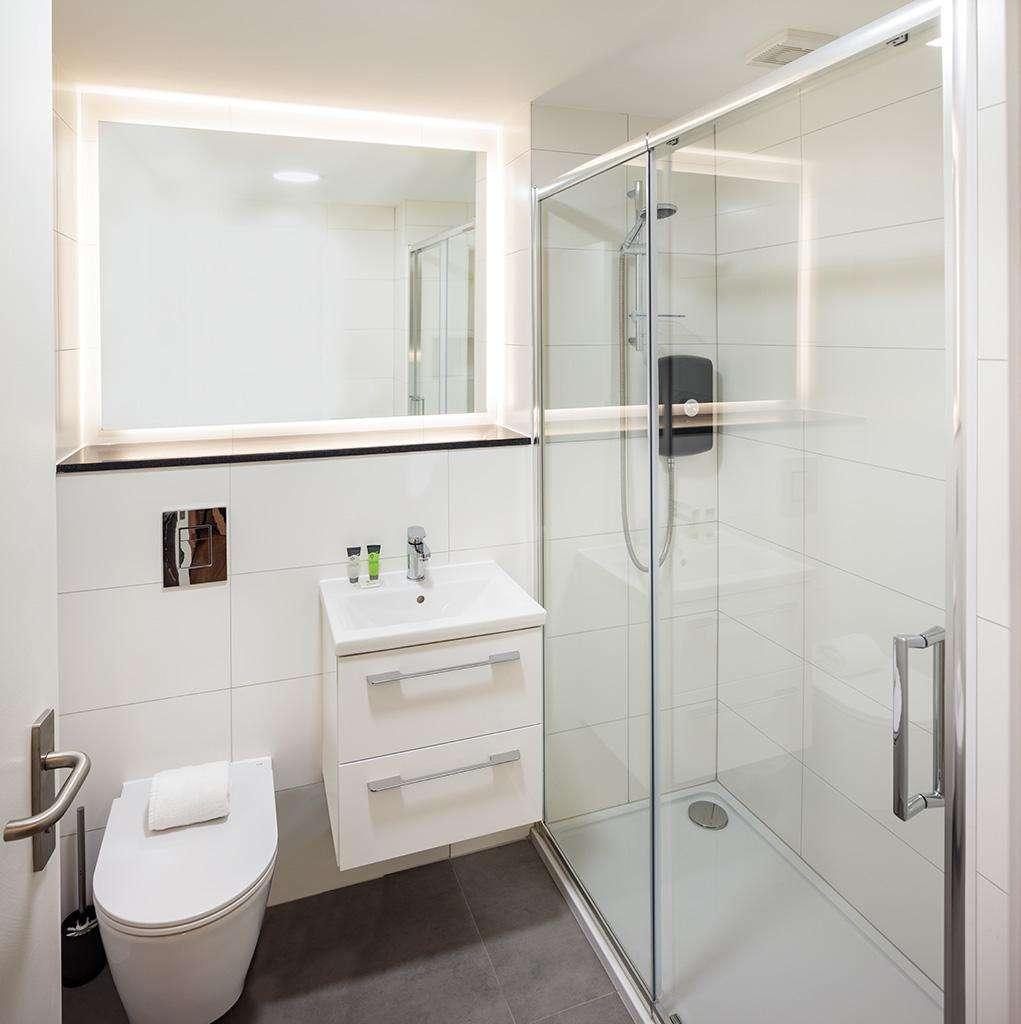 Durrow Mews Bathroom